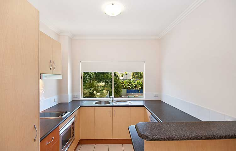 Port Douglas One Bedroom Spa Apartment