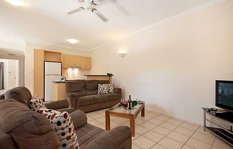 Port Douglas Three Bedroom Spa Apartment